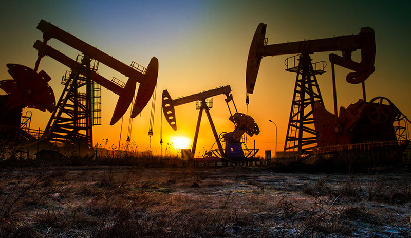 Oil falls further